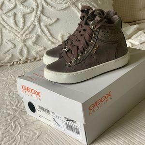 Geox Girls High Top Sneaker Size US 8/Euro 24